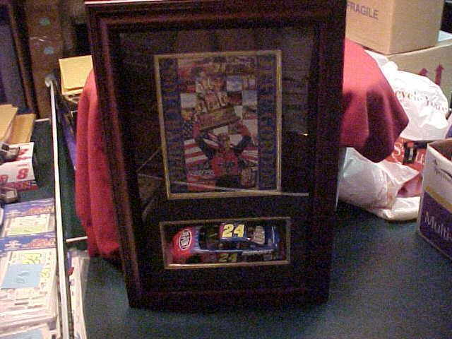 2001 JEFF GORDON CHAMPION CHAMPION CHAMPION 1 24 THOMAS PACCONIL SHADOW BOX w CAR 15.5 X 22.75 b2e313