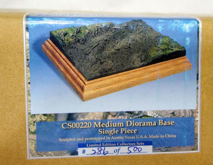 Collectors Showcase Medium Diorama Base w  Muddy Terrain 1 28 Scale CS00220 MIB