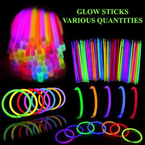 100-x-8-GLOW-STICKS-BRACELETS-NECKLACES-NEON-COLOURS-PARTY-FAVORS-RAVE-DISCO