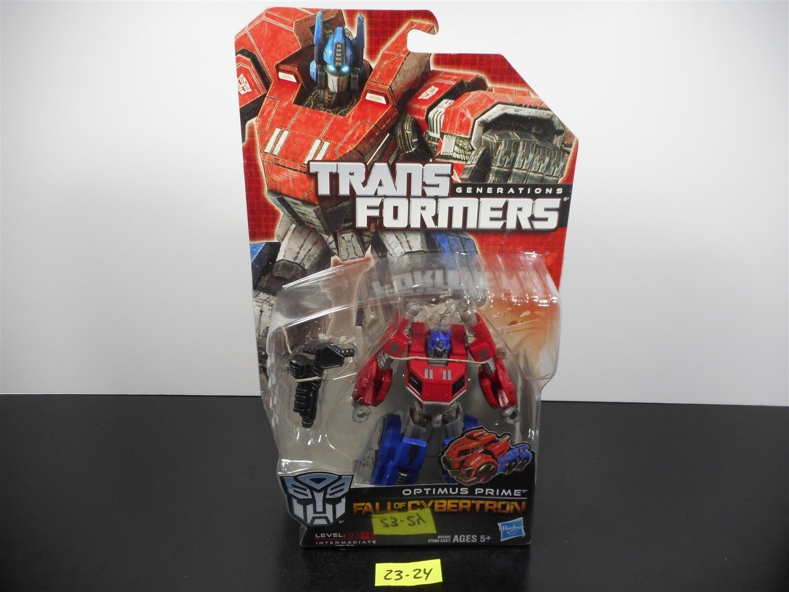NEW & SEALED     TRANSFORMERS GENERATIONS FOC OPTIMUS PRIME 2011 DELUXE 23-24