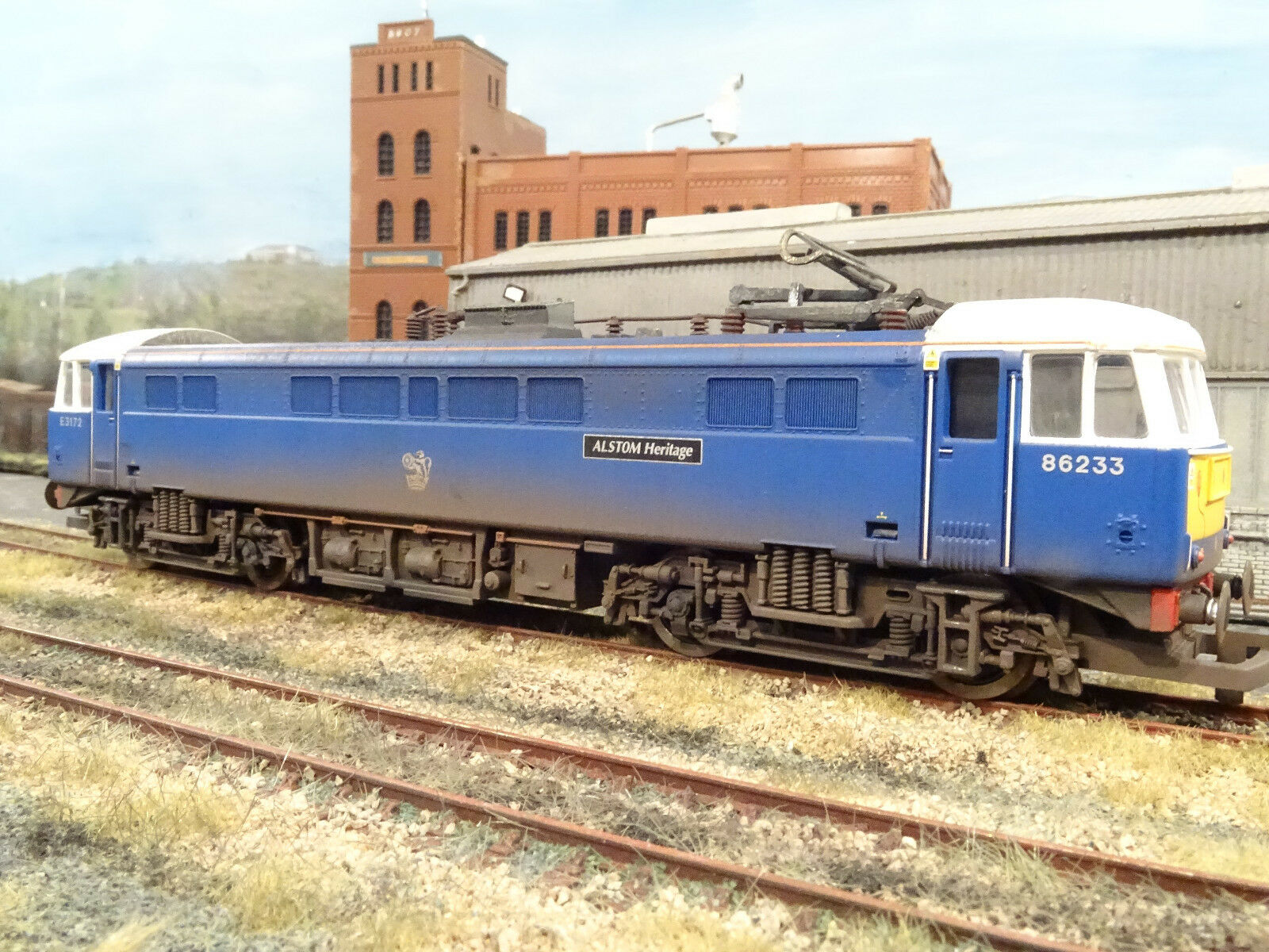 HORNBY CLASS 86233 ALSTROM HERITAGE (LINESIDE WEATHERED) R2414