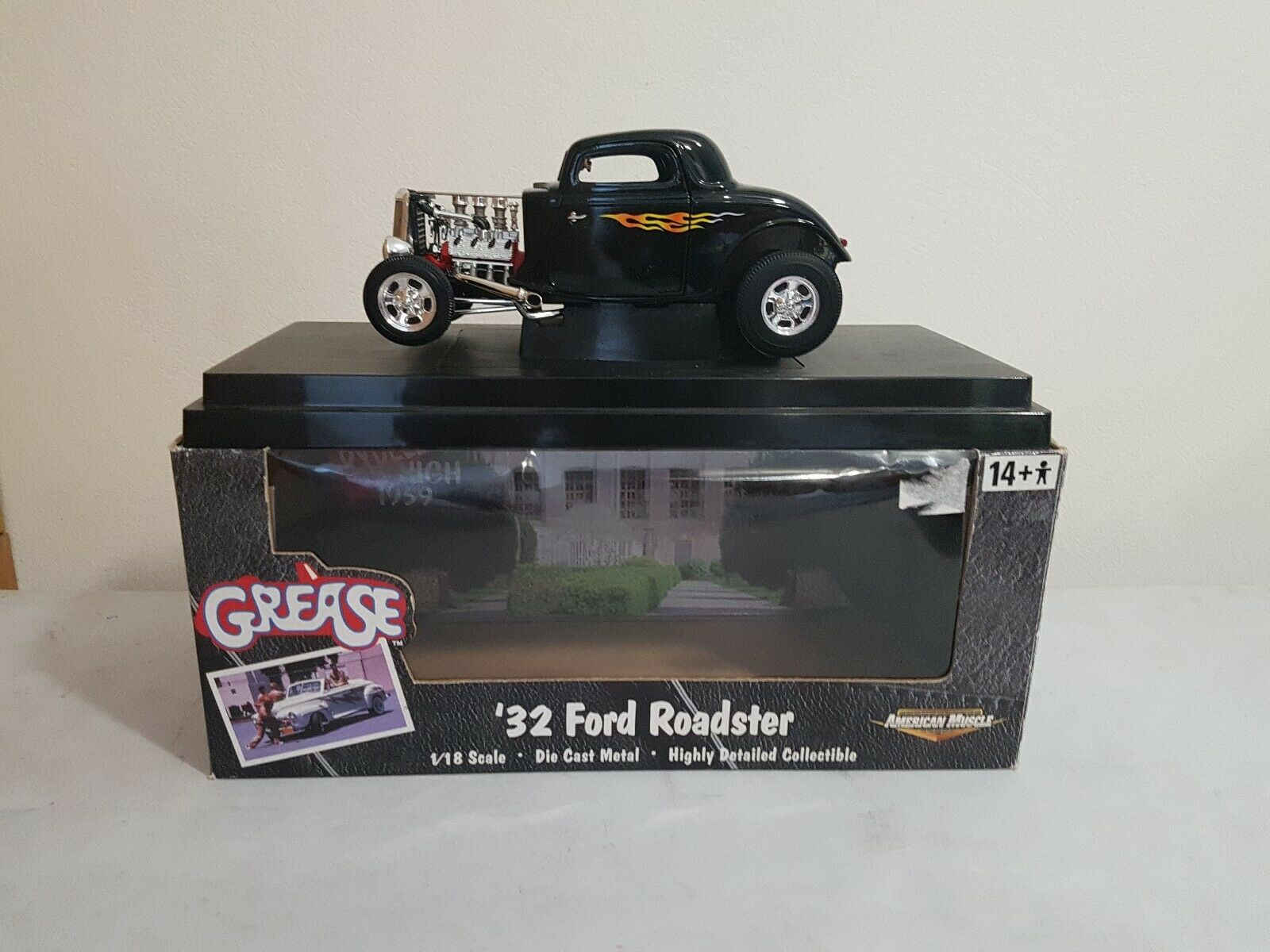 1 18th ERTL Collectibles American Muscle'32 FORD HOT ROD  grasso, in scatola