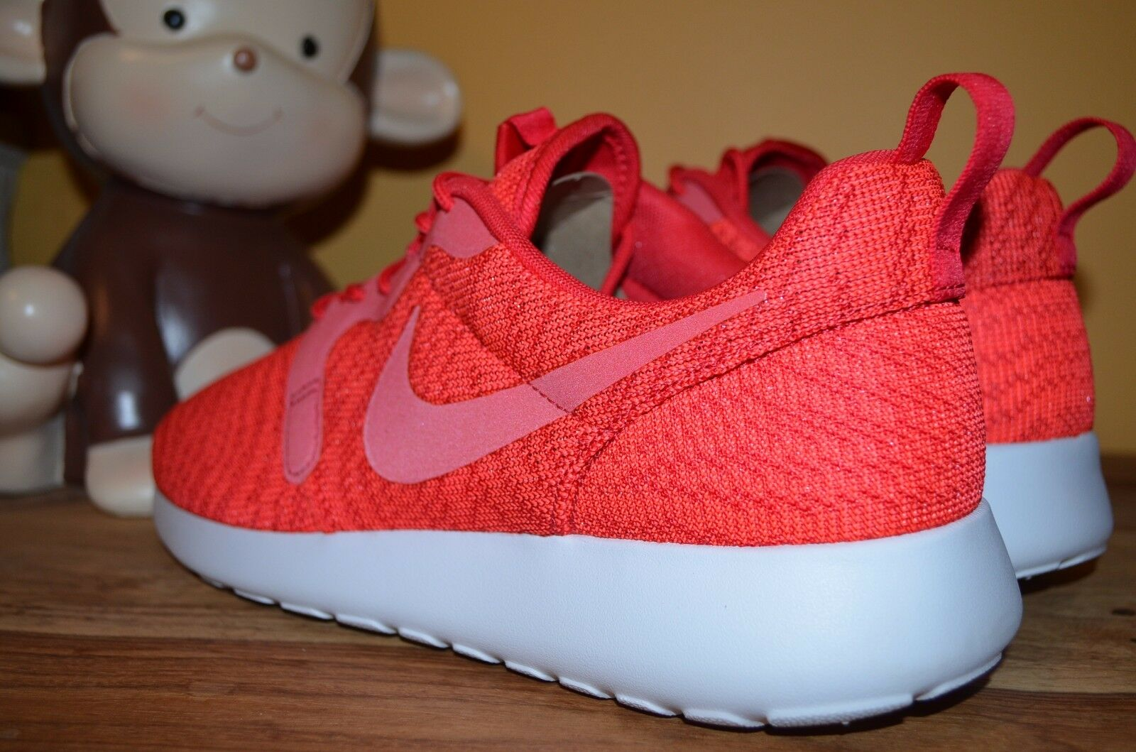 cf4d8008d892e ... cheap chic new nike roshe one kjcrd running shoes sz 9 9.5 hyper red  white 777429
