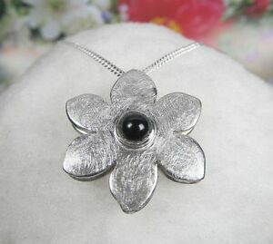 Blumen-Anhaenger-925-er-Silber