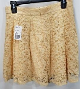Forever-21-White-Lace-Flare-Mini-Skirt-NWT-Size-M