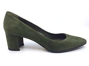d9448f3930721 NEW MANOLO BLAHNIK LISTONY Loden Green Suede Low Heel Pump Shoes ...
