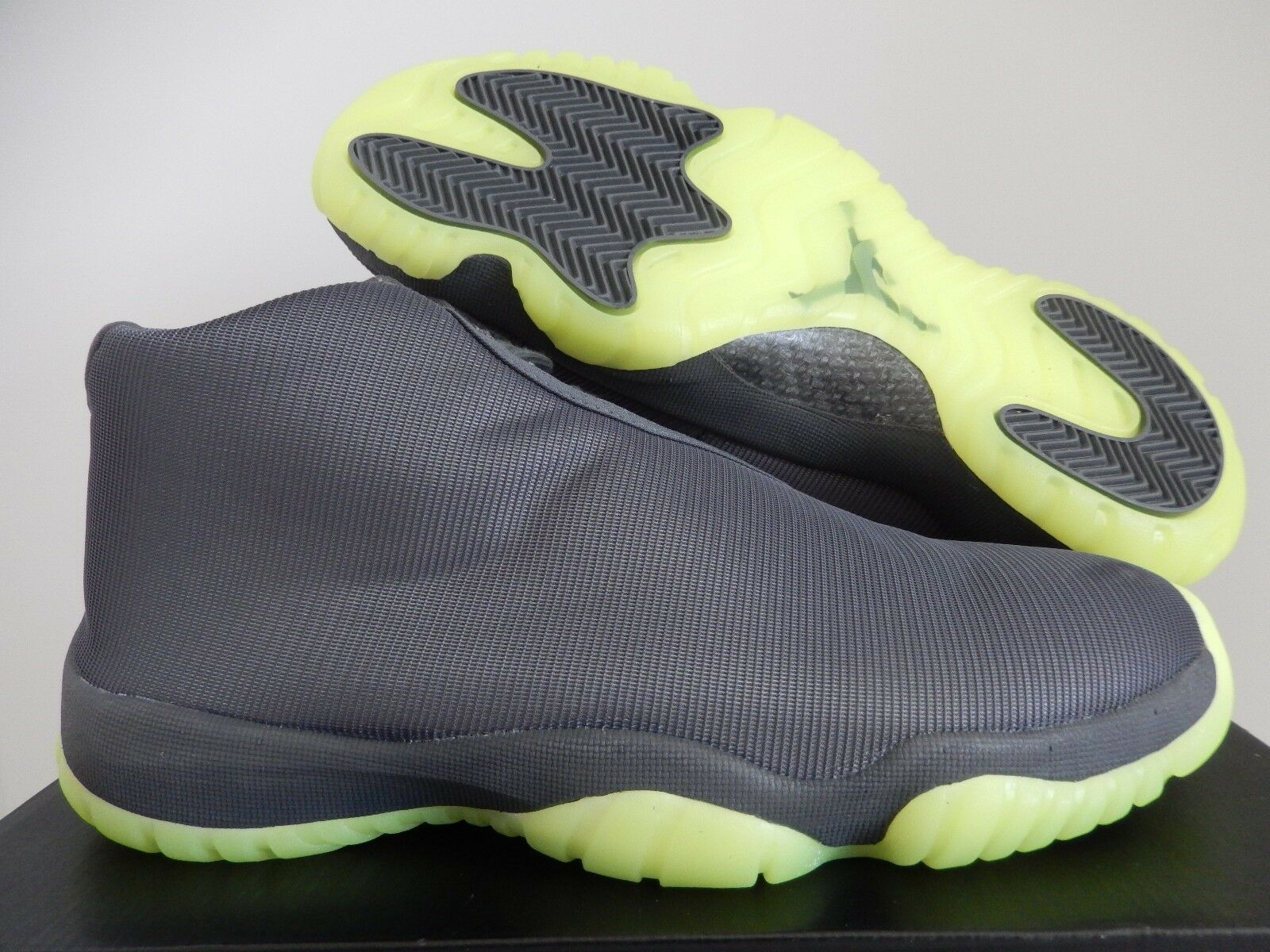 Nike air jordan futuro footscape buio grey-dark grey-volt sz 10 [656503-025]