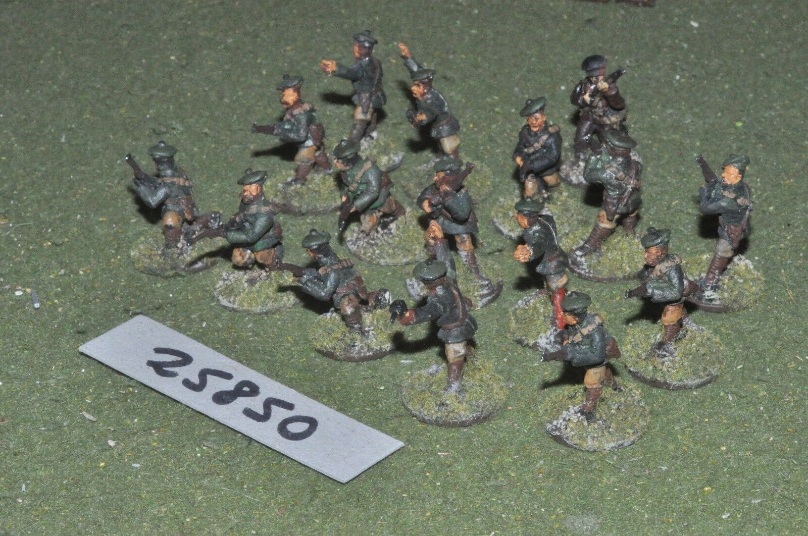 25mm WW2   british - V B C W 16 figures - inf (25850)
