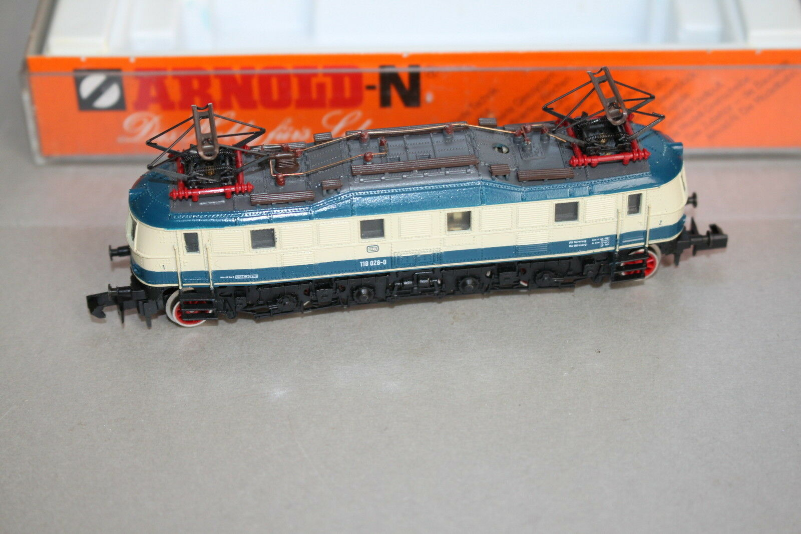 Arnold 2459 Locomotora Eléctrica Serie 118 028-8 DB Azul Beige Escala N Ovp