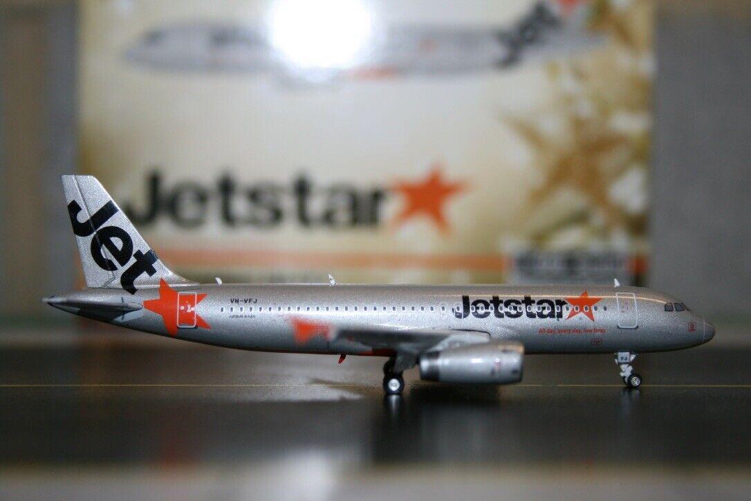 Phoenix 1 400 Jetstar Airbus A320-200 VH-VFJ (PH11055) Die-Cast Model Plane