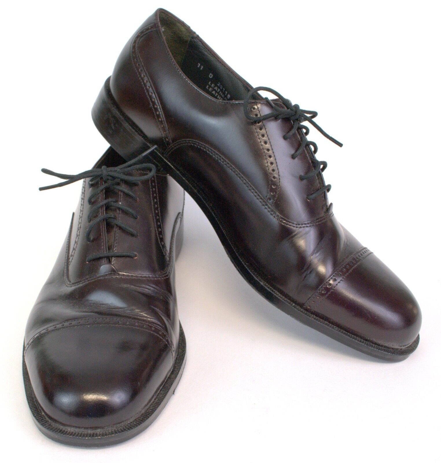 Bostonian Classics Dark Brown Cap Toe Mans shoes 11 medium Great Looking Lace Up