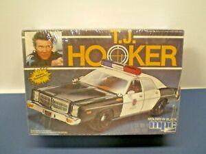 Vintage-MPC-TJ-Hooker-Dodge-Police-Car-1982-1-25-TV-Show-Model-Car-Kit-L-K