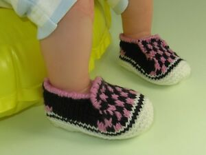 KNITTING-INSTRUCTIONS-BABY-CHECK-DECK-SHOES-SLIPPERS-BOOTIES-KNITTING-PATTERN