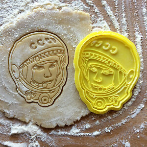 Gagarin-cookie-cutter-Space-cookie-stamp-Astronaut-cookies
