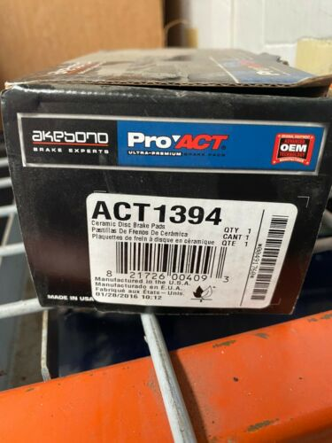CRZ Akebono ProACT ACT1394 Ultra Premium Ceramic Disc Brake Pad Kit Honda Fit