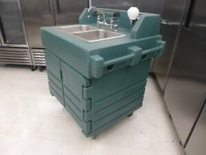 Cambro-KSC402-Kiosk-Hand-Sink-Wash-Cart-Hot-amp-Cold-Water-Portable-Station