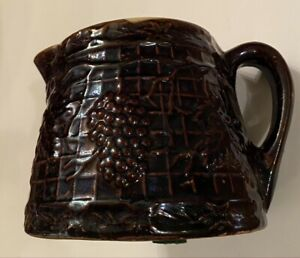 White-Hall-Pottery-Beautiful-Collectible-Vintage-Dark-Brown-Glaze-Grapes-Pitcher