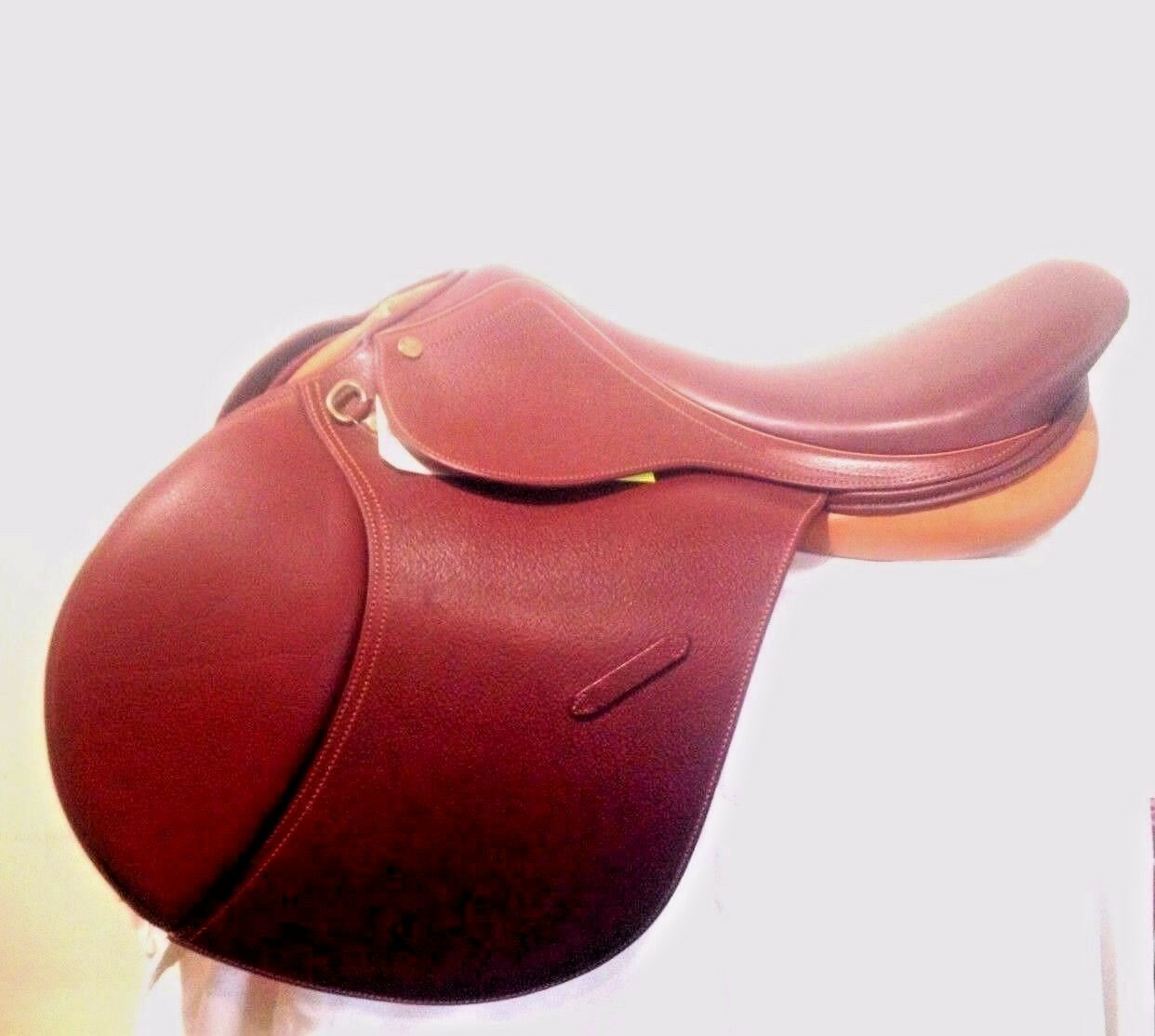 NEW 18  Union Hill Varsity Masters Close Contact jump saddle (991)