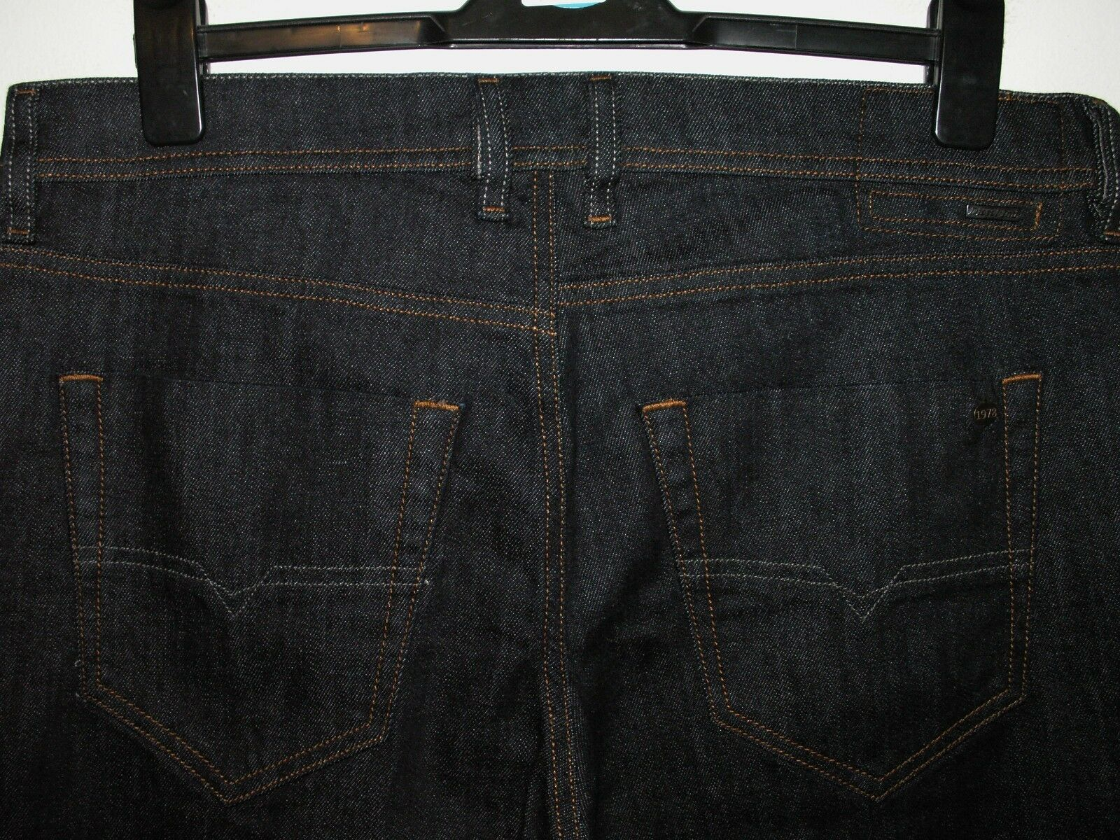 DIESEL TEPPHAR SLIM-CARred JEANS 0604B STRETCH W34 L32 5334 .99 sale .99