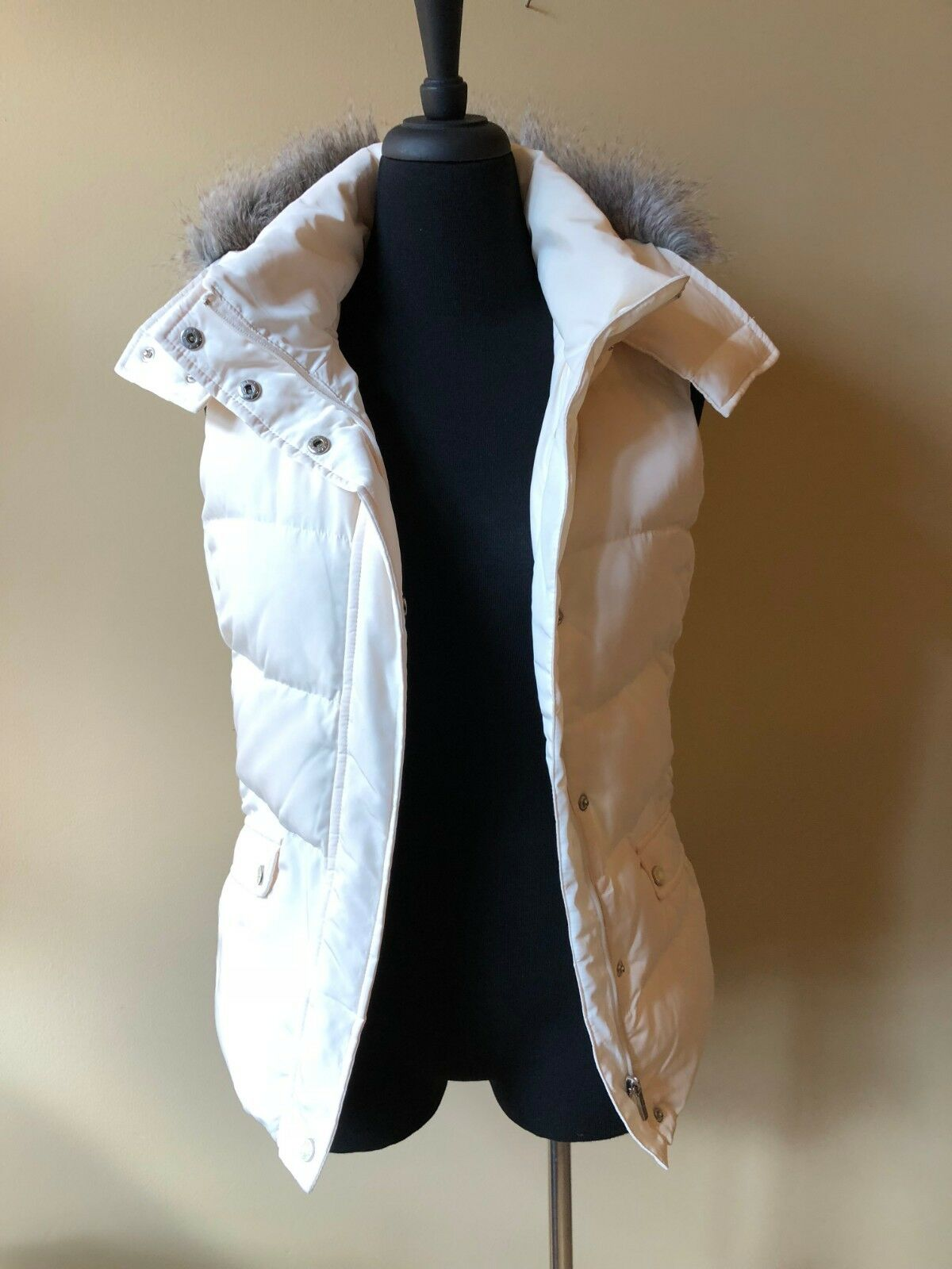 Talbot's Cream Ivory Down Vest Sz S Small Removable Faux Fur Hood