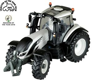 Britains-Toys-Valtra-T254V-Tractor-of-the-Year-2018
