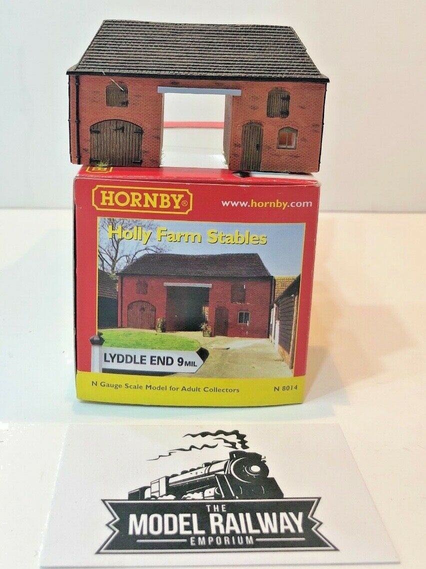 HORNBY N GAUGE - LYDDLE END - N8014 - HOLLY FARM STABLES - USED BOXED