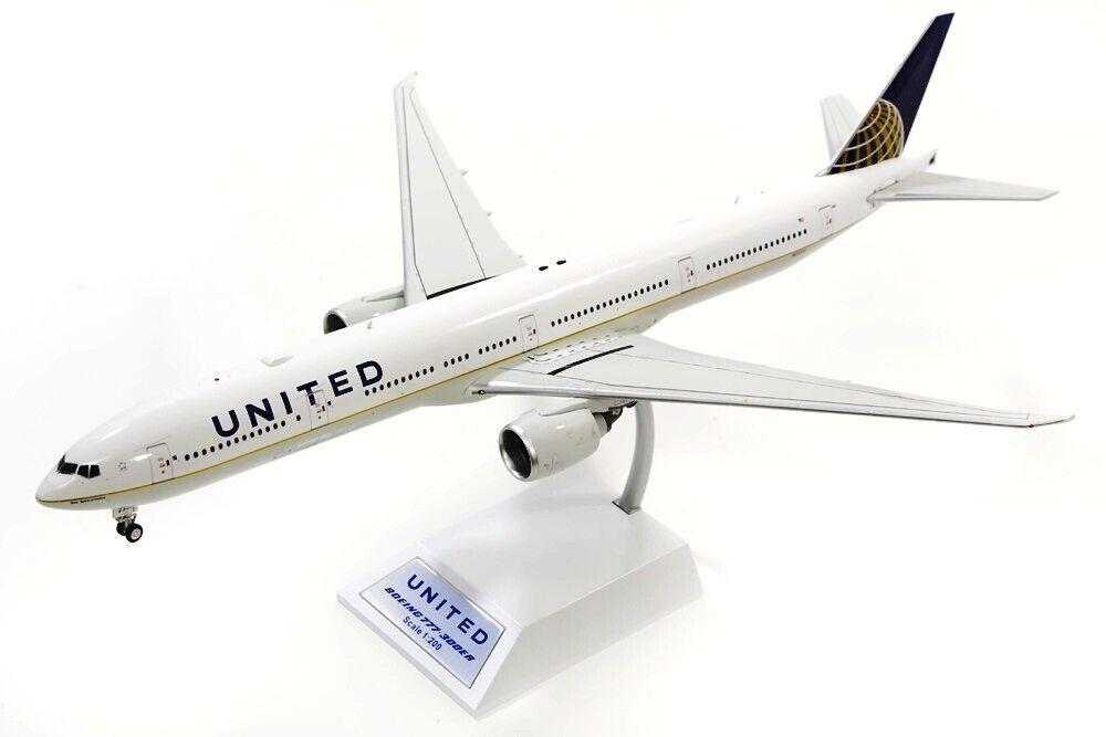 Involo 200 IF7773UTD001 1 200 United B777-300 N58031 con Supporto