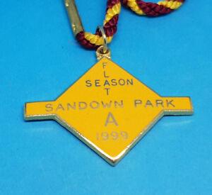 Sandown-Park-Horse-Racing-Members-Badge-Flat-1999