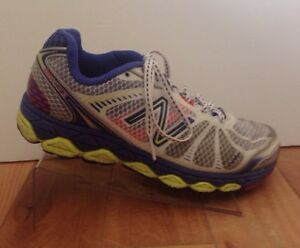 New-Balance-880-V3-Womens-8-Athletic-Running-Shoes-Sneakers-Purple-Gray-White