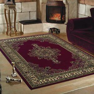 Klassischer-Orient-Design-Teppich-Borduere-Rot-Meliert