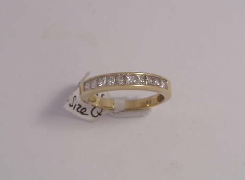 18ct gold 0.80ct Half-Eternity Diamond Ring  Size Q 4.1gms Secondhand