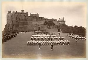 Edimburgh-castle-Argyle-and-Sutherland-Highlanders-Vintage-albumen-print-Tir