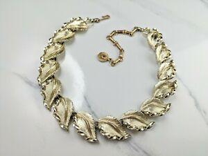 Lovely-Vintage-Silver-Tone-Necklace-Leaves-Design-Signed-LISNER