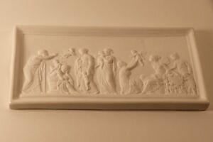 Adaptable Scène à L'antique En Bas Relief Avec Angelots, Biscuit Porcelaine