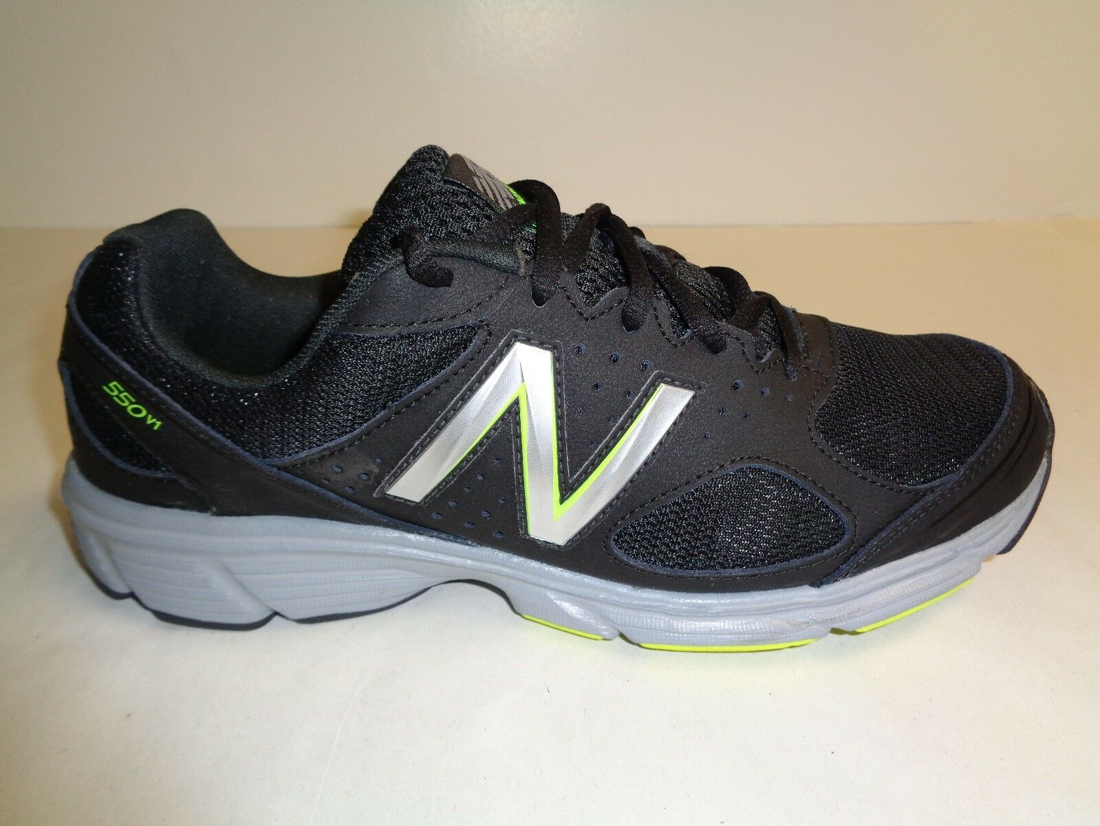 Tamaño 8.5 M New Balance 550V1 M550V1 Negro Nuevo Para hombres Zapatos tenis de correr
