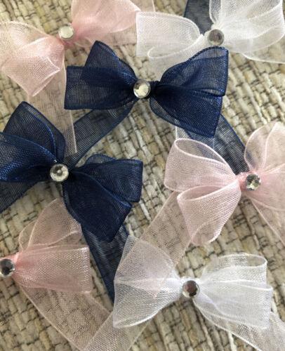 21 pequeños 3.5cm en rosa blanco y azul marino de Organza Arcos con Diamanté Centre