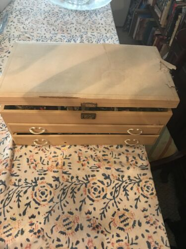 Vintage Jewelry Box Full Of Untested Costume Jewel