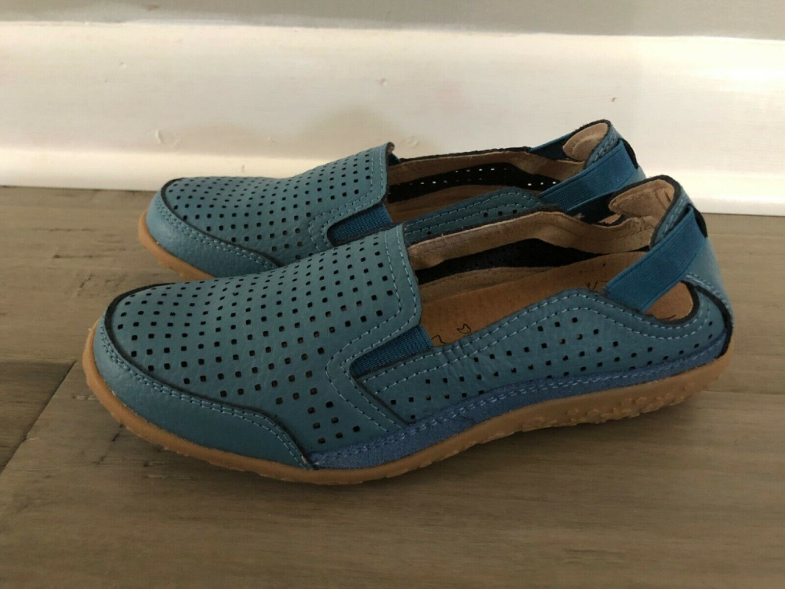 Spring Step Women's Size 36W 5.5-6 Juhi Perforated Slip On Blue Leather Loafers
