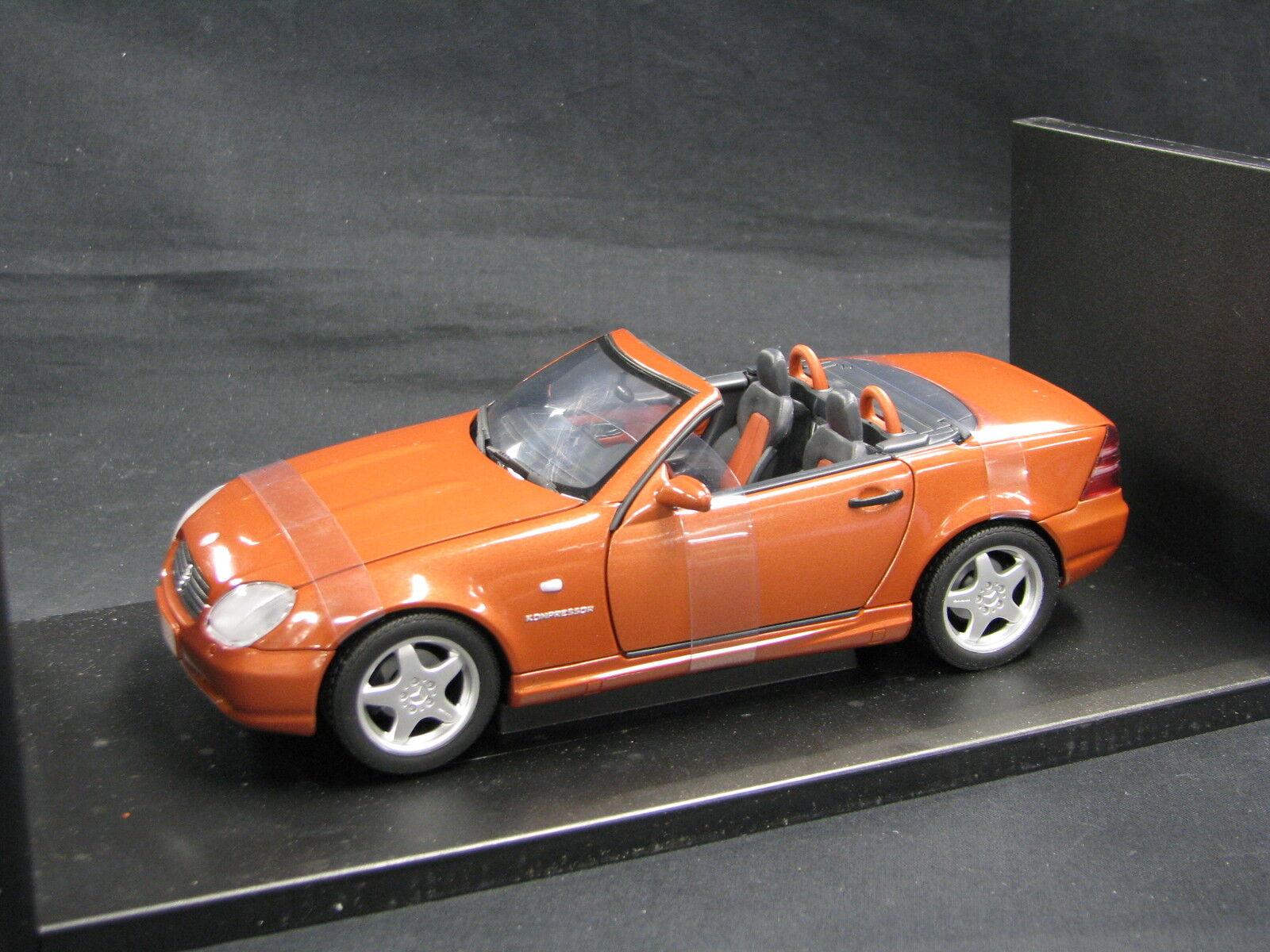 UT Models Mercedes-Benz SLK 230 Kompressor 1 18 Copper Matallic (JS)