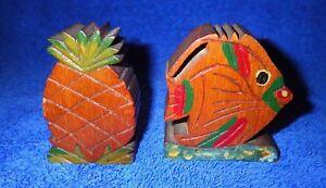 Cool-Vintage-Hawaiian-Koa-Wood-Salt-and-Pepper-Shakers-Pineapple-and-Fish-Hawaii