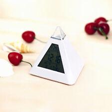 New Pyramid Temperatur 7 Farben Clock LED-Hintergrundbeleuchtung ändern Alarm