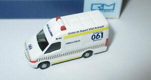 Rietze-16973-Iveco-Daily-Ambulancia-Es-1-160-Neuf-Emballage-Origine