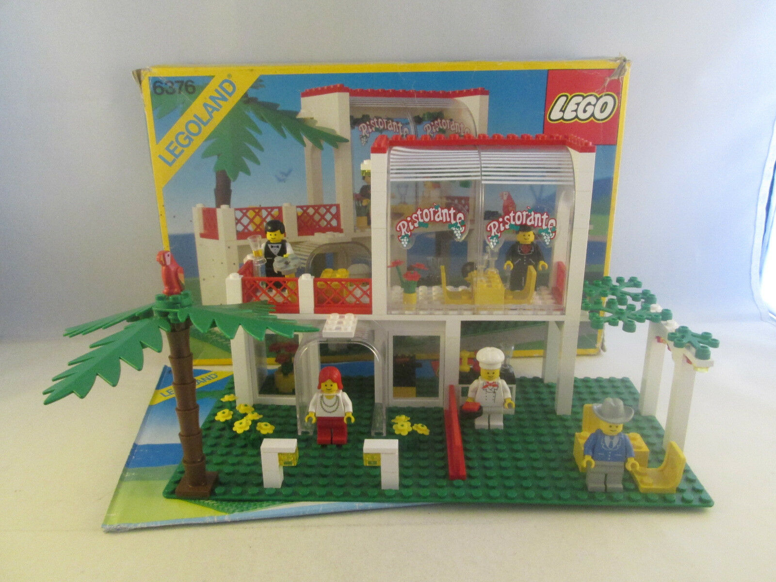 Lego Classic Town - 6376 Breezeway Cafe