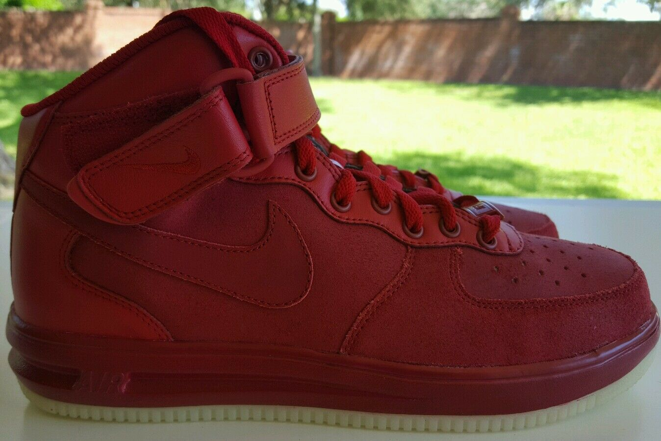 NIKE AIR FORCE 1 ID SIZE  8 RED OCTOBER GLOW IN THE DARK SOLES 808790-995