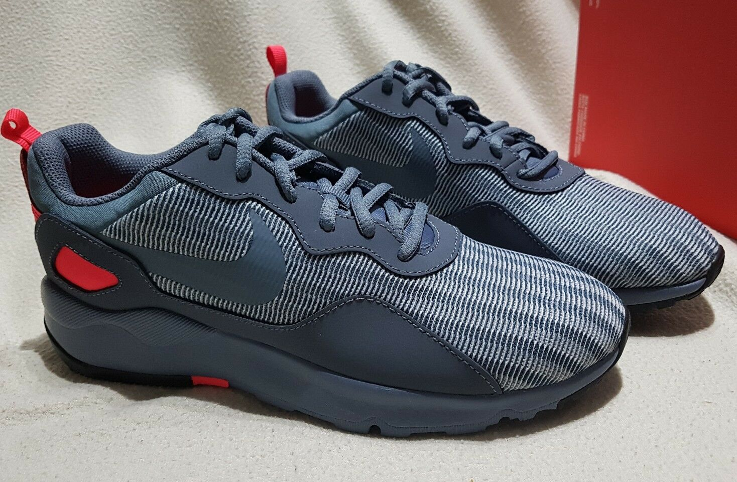 NIKE Femme LD courirNER SE  TRAINERS TRAINERS TRAINERS Baskets -6 / EUR 40 -  69.95 3dc314