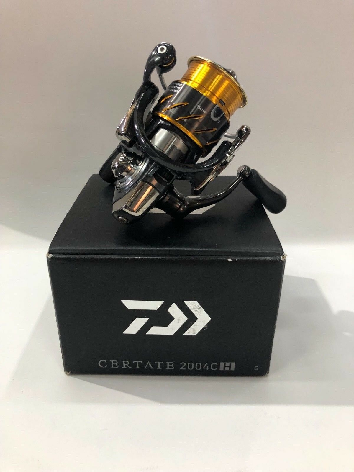 Daiwa certate 2004cH spinning fishing reel,Daiwa japan,Brand New