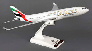SkyMarks SKR825 Airbus A330-200 1:200 Emirates Airlines NEU A330 Modell