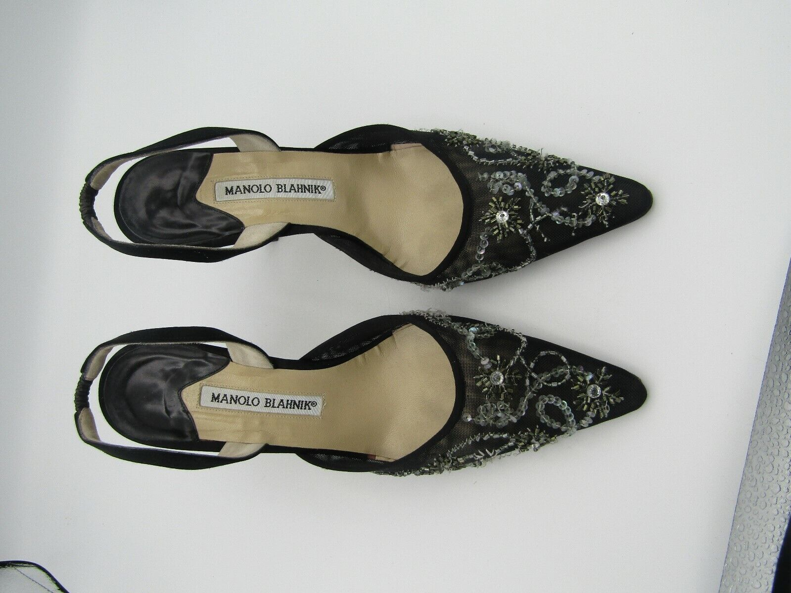 VINTAGE ESTATE MANOLO BLAHNIK BLACK FLORAL MESH PUMPS w SEQUINS SIZE 38 ITALY