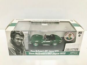 1957-Jaguar-XKSS-Convertible-Verde-Con-Figura-1-43-Greenlight-Chase