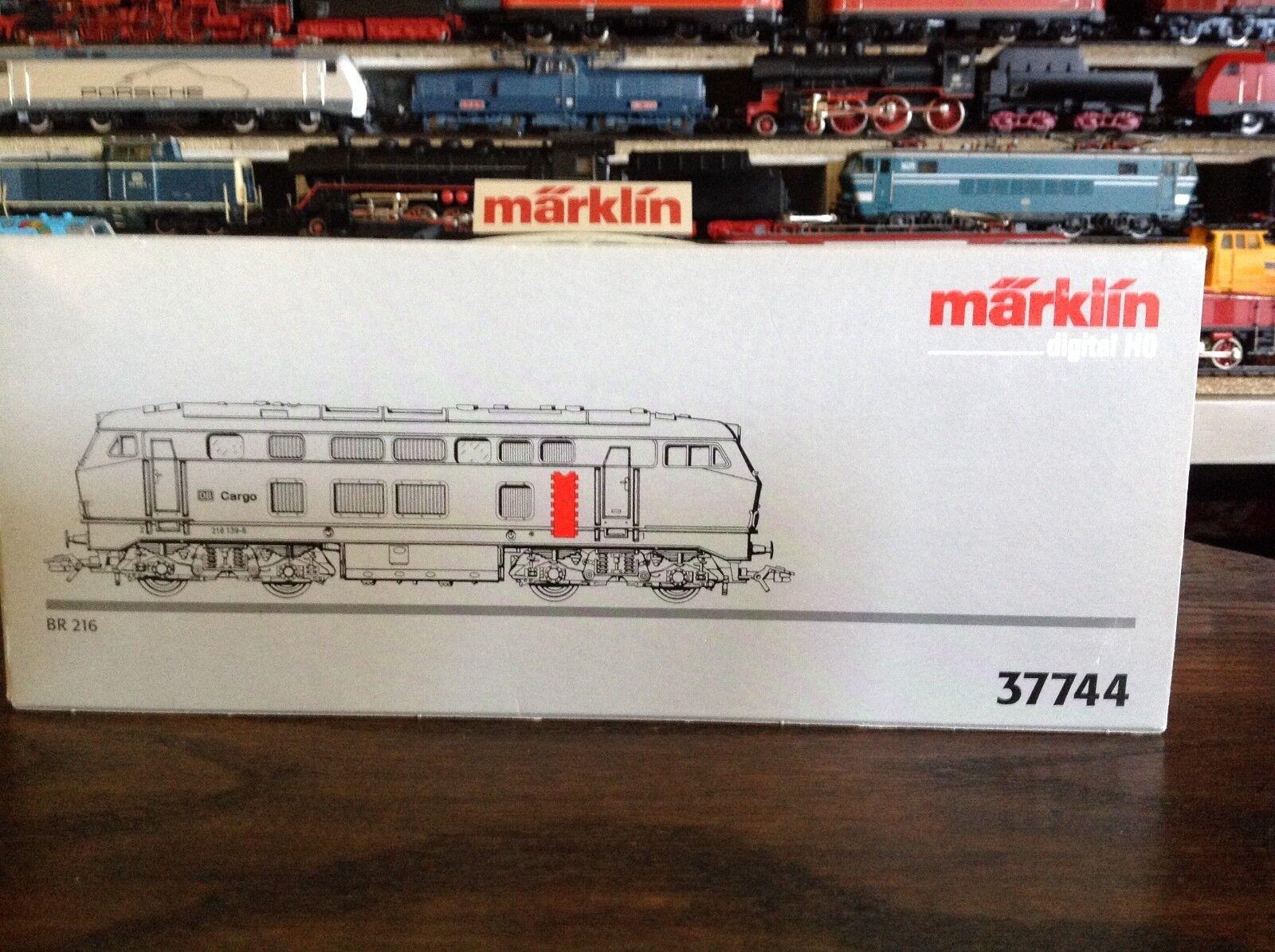 Marklin HO 37744 Diesel Red Cargo Diesel Loco BR 216 Excellent